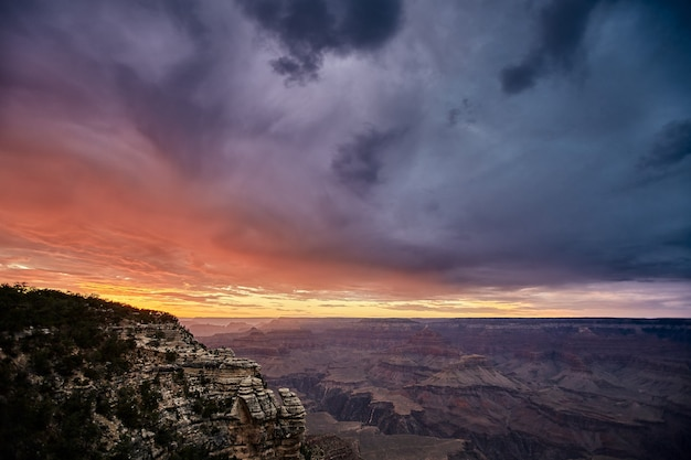 Beau paysage d'un paysage de canyon dans le parc national du grand canyon, arizona - usa