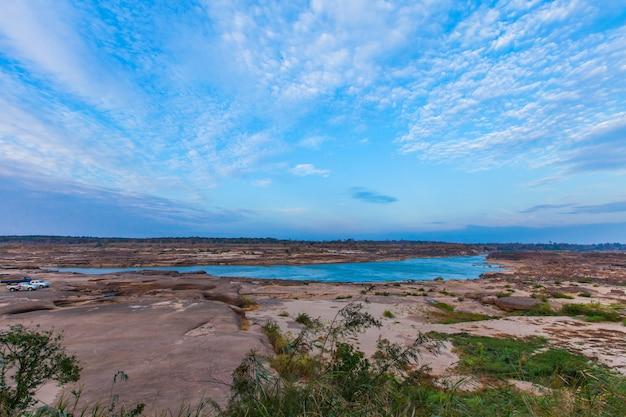 Beau paysage de pierre de sable sec peut yon en thaïlande
