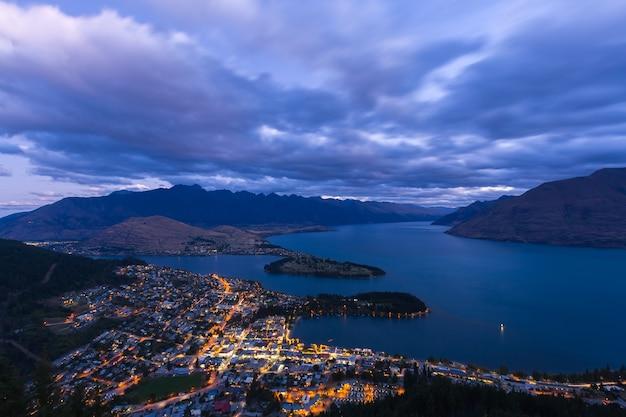 Beau point de vue queenstown à south island nouvelle-zélande