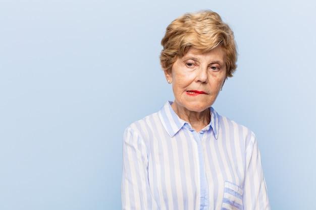 Beau portrait de femme âgée