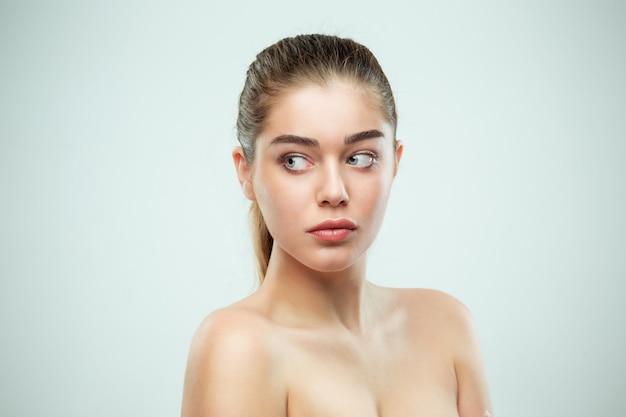 Beau visage de fille. peau parfaite