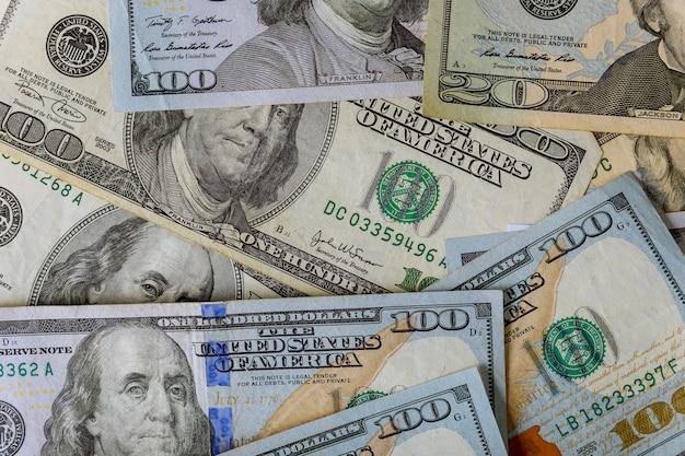 Beaucoup d'argent américain de gros plan