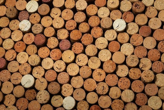 Beaucoup de bouchons de vin d'occasion, arrière-plan de conception créative