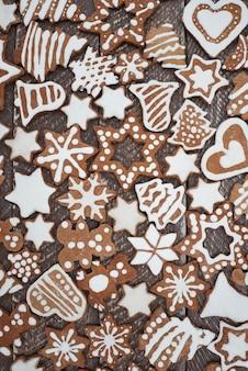 Beaucoup de délicieux biscuits au pain d'épice