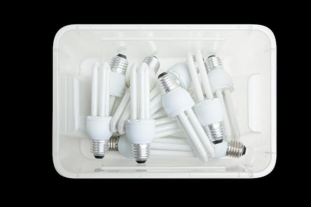 Beaucoup de lampes fluorescentes compactes à économie d'énergie, mise au point sélective.