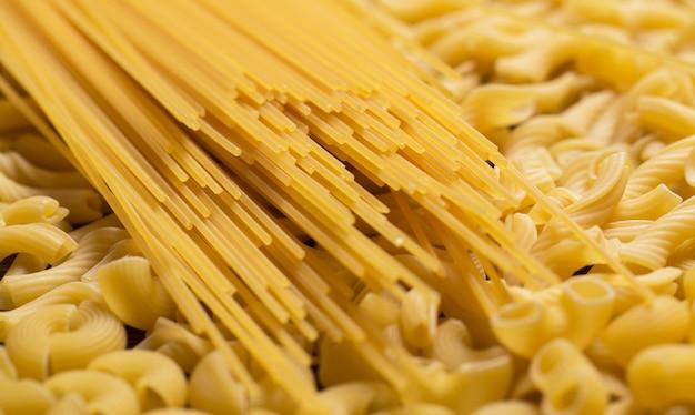 Beaucoup de macaronis