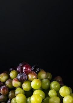 Beaucoup de raisins d'automne avec espace copie