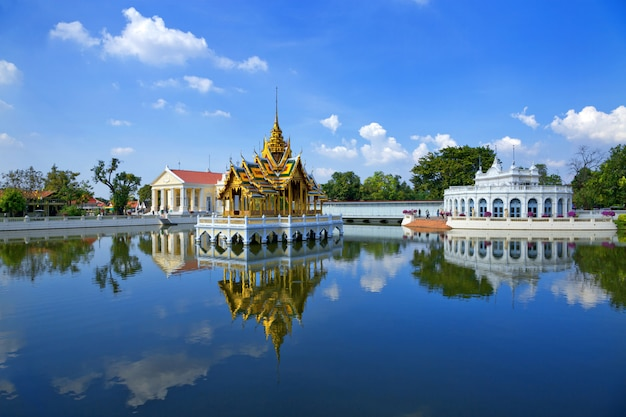 La beauté du palais de bang pa-in, ayutthaya, thaïlande.