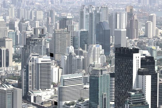 Beaux bâtiments modernes du paysage urbain de bangkok