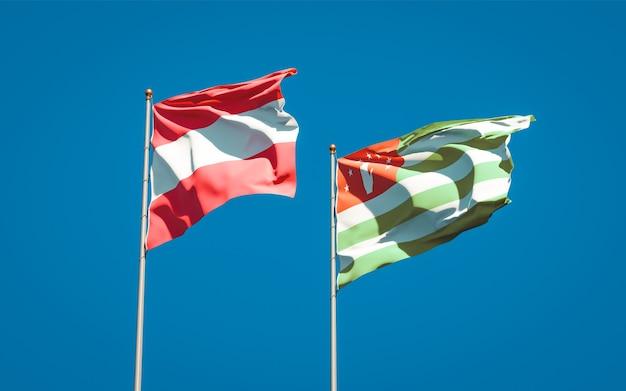 Beaux drapeaux nationaux de l'abkhazie et de l'autriche ensemble