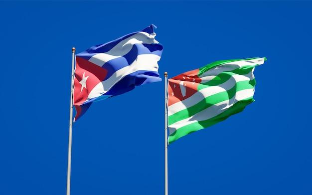 Beaux drapeaux nationaux de l'abkhazie et de cuba ensemble