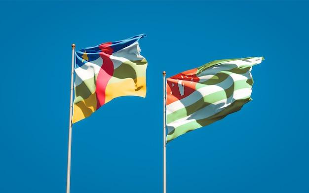 Beaux drapeaux nationaux de l'abkhazie et de la rca république centrafricaine ensemble