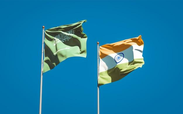 Beaux drapeaux nationaux de l'arabie saoudite et de l'inde ensemble