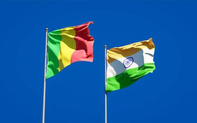 Beaux drapeaux nationaux du mali et de l'inde ensemble