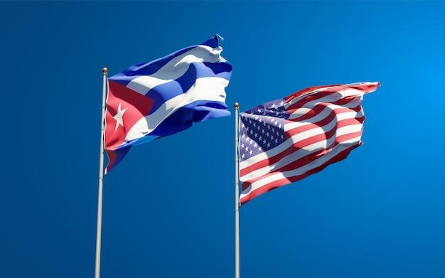 Beaux drapeaux nationaux des états-unis et de cuba ensemble