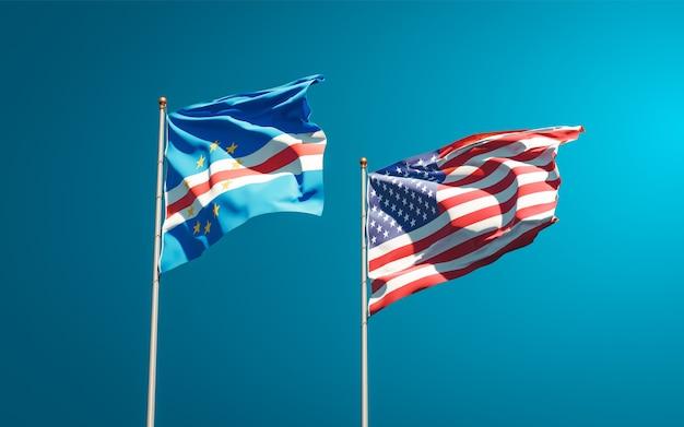 Beaux drapeaux nationaux des états-unis et du cap-vert ensemble