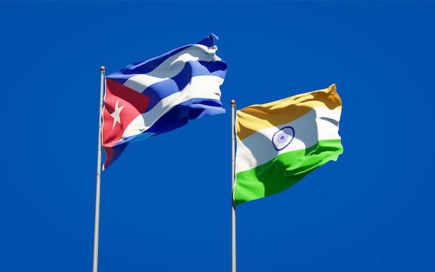Beaux drapeaux nationaux de l'inde et de cuba ensemble