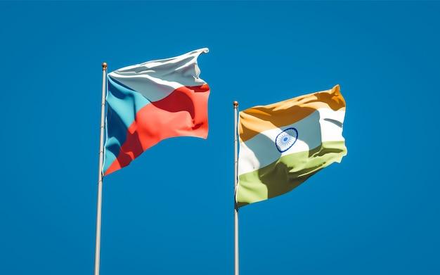 Beaux drapeaux nationaux de l'inde et du tchèque ensemble