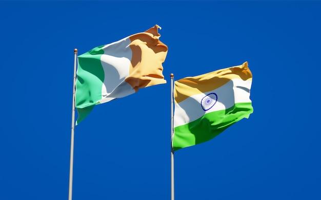 Beaux drapeaux nationaux de l'irlande et de l'inde ensemble