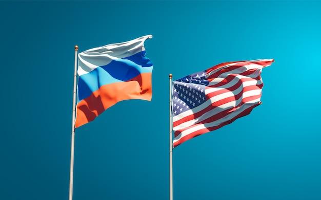 Beaux drapeaux nationaux de la russie et des etats-unis ensemble