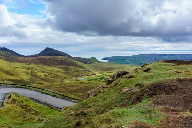 Beaux paysages du quiraing sur l'île de skye en été, ecosse