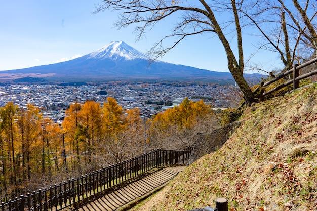 Beaux paysages voir mtfuji du japon et village au point de vue vue de dessus