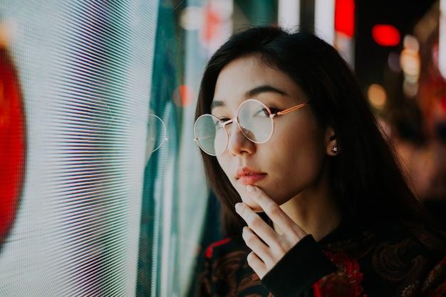 Beaux portraits de rue de fille japonaise asiatique