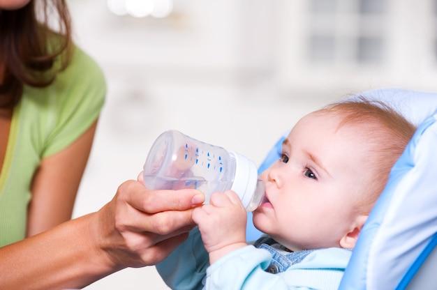 Bébé eau potable