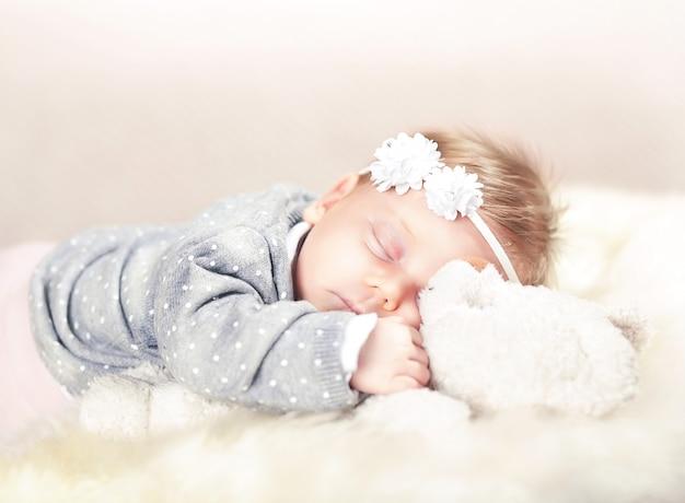 Bébé femal endormi