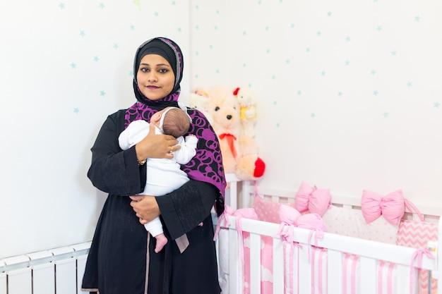 Bébé et mère musulmane