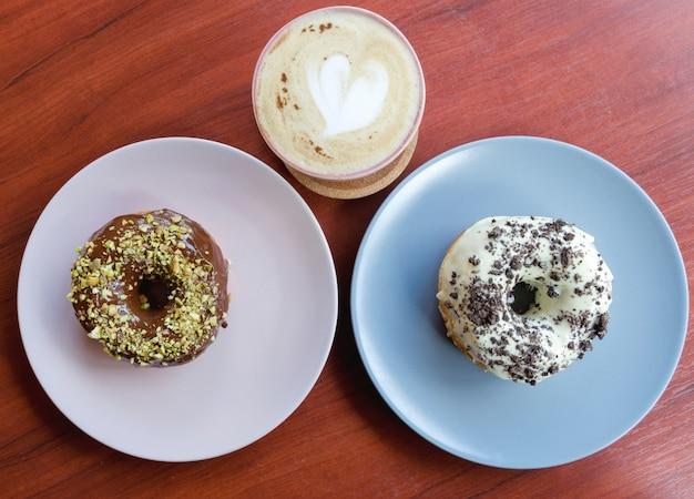 Beignets de chocolat et café