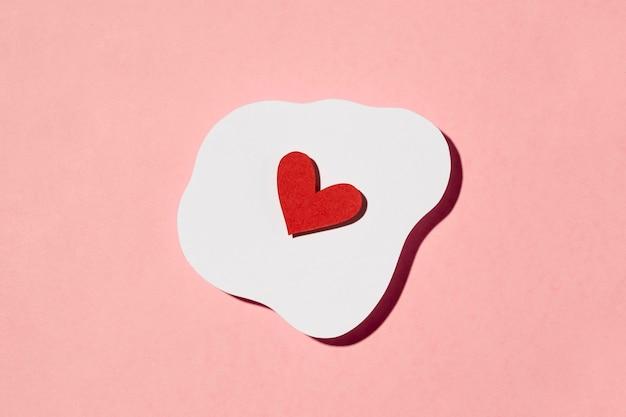 Bel arrangement d'amour sur rose