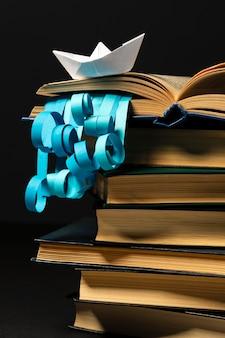 Bel assortiment de livres différents