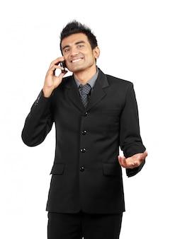 Bel homme d'affaires au téléphone
