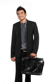 Bel homme d'affaires souriant