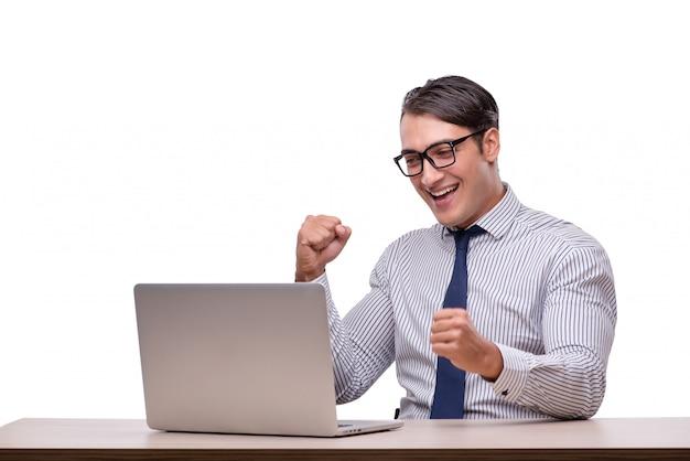 Bel homme d'affaires travaillant avec un ordinateur portable isolé