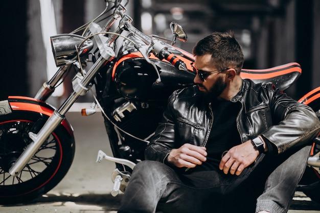 Bel Homme Sexy En Moto Photo gratuit