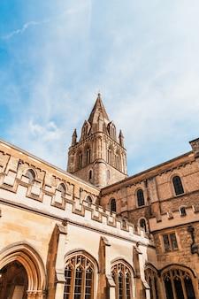 Belle architecture cathédrale christ church à oxford, royaume-uni