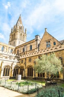 Belle architecture de la cathédrale christ church à oxford, uk