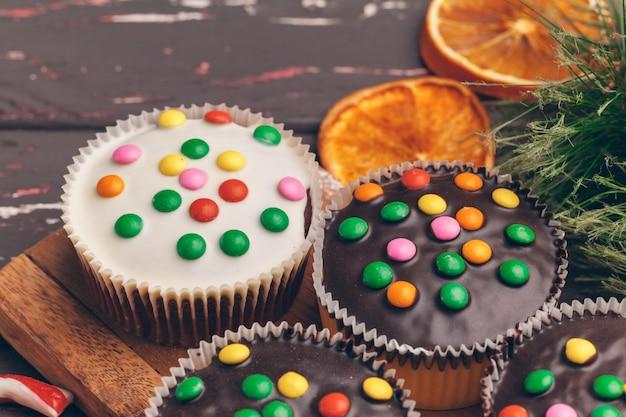 Belle composition de cuisine de noël de bonbons de vacances traditionnels
