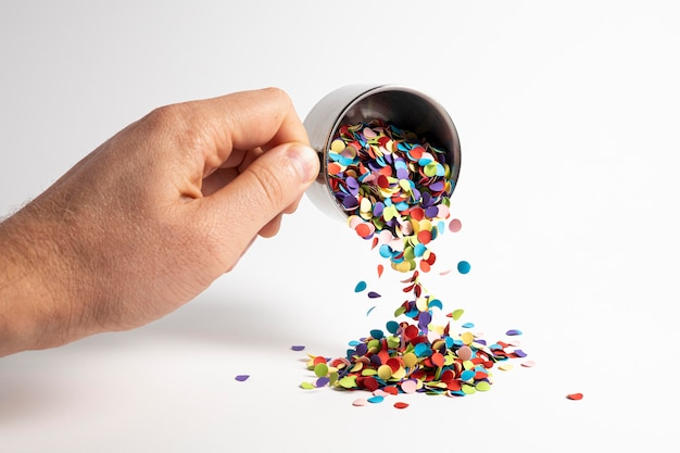 Belle composition festive de confettis