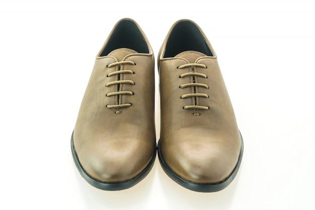 Belle et élégante chaussure en cuir marron