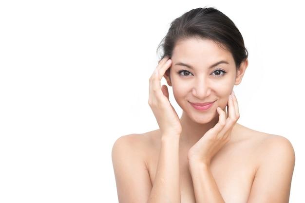 Belle femme asiatique visage portrait beauté peau soin concept