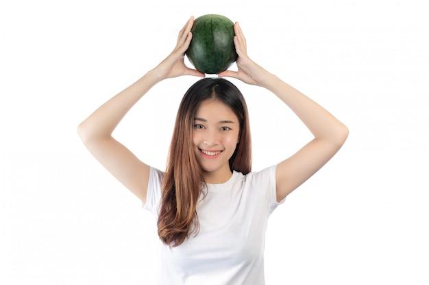 Belle femme asie avec un sourire heureux