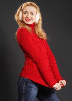 Belle femme d'hiver blonde