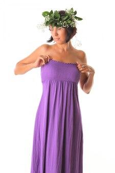 Belle femme en robe d'été