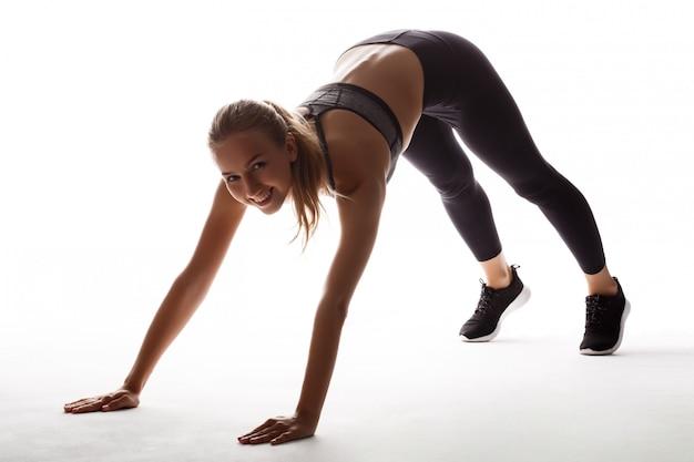 Belle femme sportive de formation