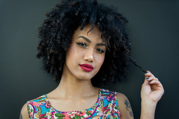 Belle fille afro-américaine