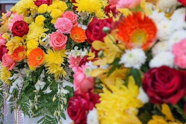 Belle fleur dans un bouquet, naturellement belles fleurs dans le jardin