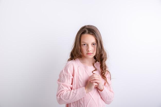 Belle jeune fille triste